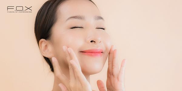 Sử dụng toner kết hợp massage mặt nhẹ nhàng