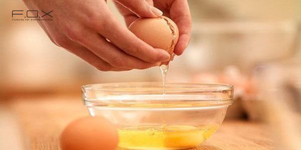 Cách làm mặt nạ khổ qua và lòng trứng gà