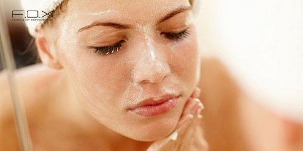 Cách rửa mặt bằng sữa tươi không đường giúp da trắng sáng