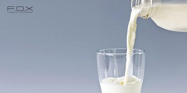 Rửa mặt bằng sữa tươi có đường được không