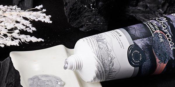 Sữa rửa mặt than hoạt tính 3W Clinic Charcoal Cleansing Foam