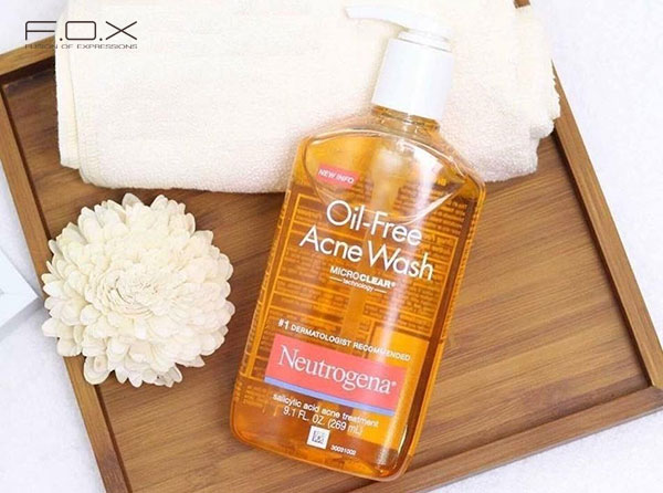 Sữa rửa mặt trị mụn cho da dầu Neutrogena Oil Free Salicylic Acid Acne Fighting Face Wash
