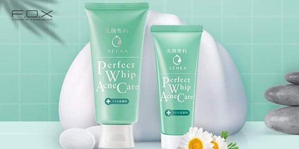 Sữa rửa mặt trị mụn đầu đen giá rẻ Senka Perfect Whip Acne Care